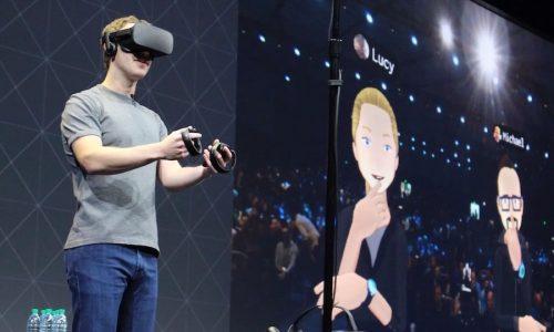 Mark Zuckerberg demostrando cómo funcionan la realidad virtual